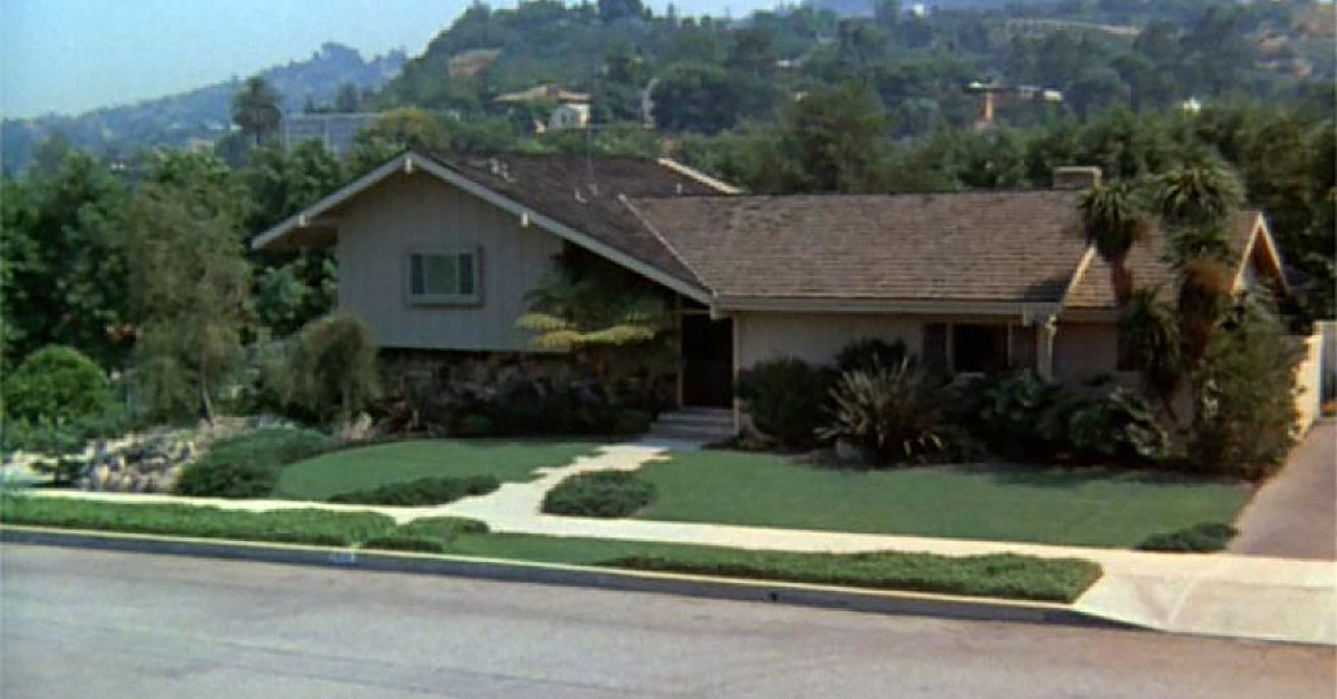 Here S What These 9 Tv Homes Cost In Real Life