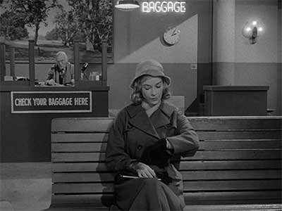 8 Tiny Details That Make Mirror Image One Of The Most Fascinating Twilight Zone Episodes